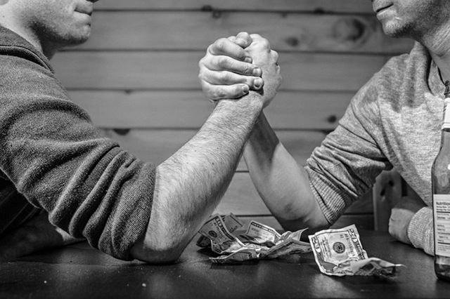 How to Negotiate Salary: 6 Expert Tips