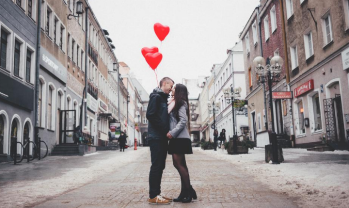 4 Ways Your Job is Better than a Date This Valentine's