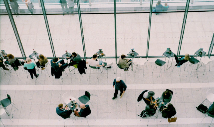 How to Stand Out From the Crowd When Job Hunting
